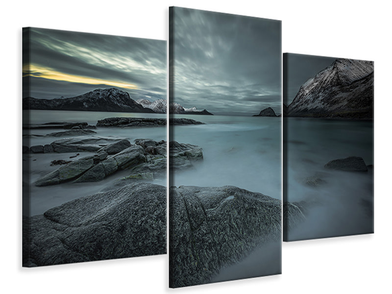 Modern 3 Piece Canvas Print A Look From The Past Or From The Future